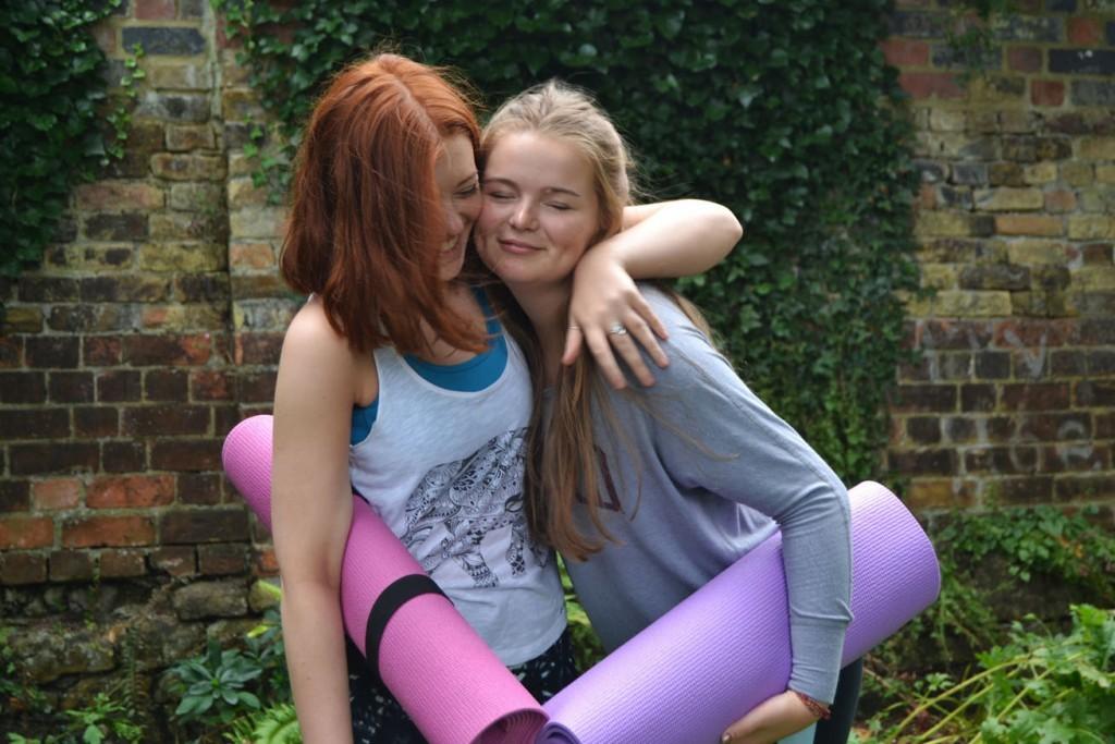 meet new people at yoga